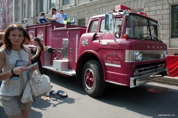 А-ля старинная американская пожарная машина
