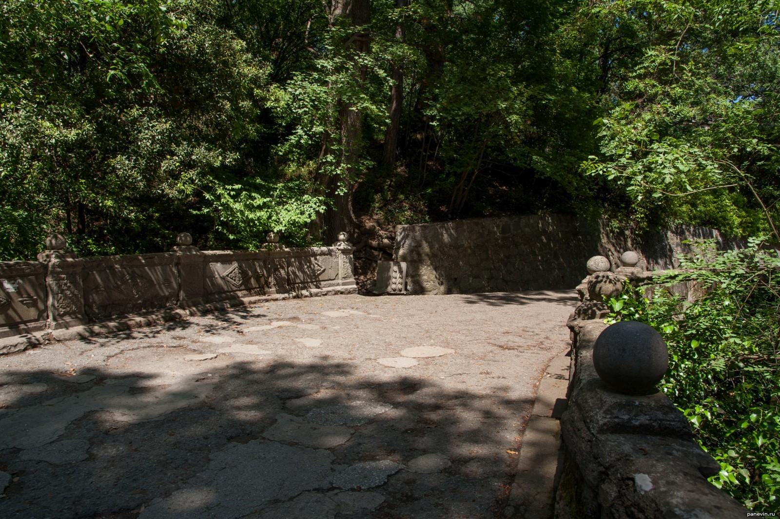 Участки земли возле парка алупка крым видео храмы 2015