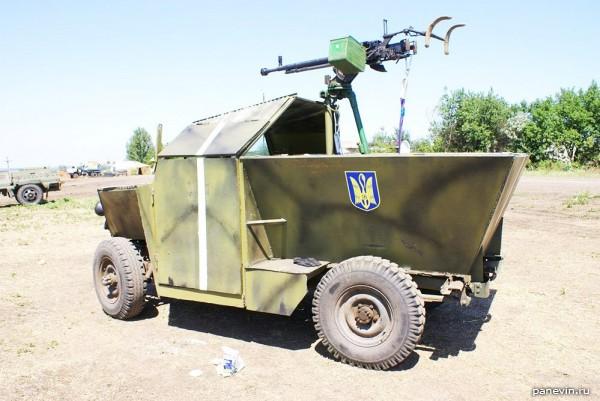 Самодельный легкий бронеавтомобиль «Скорпион» на шасси автомобиля УАЗ-469Б из состава украинского 11-го батальона территориальной обороны «Киевская Русь»