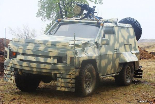 Бронированный Nissan Patrol разведки 25-й отдельной аэромобильной бригады Украины