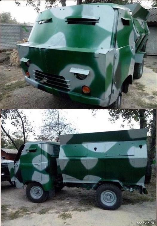 Гибридная бронированная мусорка на базе УАЗ