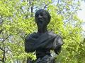Новодевичье кладбище. Могила Н. А. Некрасова. Фото 23 мая 2003 г (снимок с сайта al-spbphoto.narod.ru)
