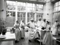 Сестры Александровской общины в специальной форме, предназначенной для работы в операционной палате, конец XIX — начало XX века