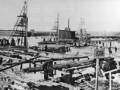Забивка шпунта при строительстве устоя дамбы 1 марта 1901 года