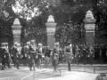Император Николай II принимает парад на территории храма Воскресения Христова. Восточная сторона 19 августа 1907