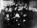 Петербургские иосифляне во главе с архиепископом Димитрием возле Спаса на Крови. Снимок 20-х годов XX века