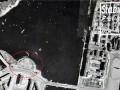 Немецкая аэрофотосъёмка блокадного Ленинграда. Стрелка Васильвского острова. Позиции зенитчиков (отмечены красным контуром) на стрелке Васильевского острова, 01.05.1942. © WWII Aerial Photos and Maps