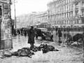 Жертвы первых обстрелов на углу Невского и Лиговского проспектов. Фото Д.Трахтенберга. Сентябрь 1941