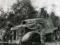 Бойцы Красной Армии осматривают подбитый бронеавтомобиль ААС-37 испанского производства. Сентябрь 1941 года, подступы к Ленинграду.