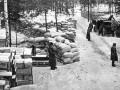 Склад продовольствия на восточном берегу Ладожского озера. Отсюда продовольствие по ледовой трассе направлялось в осажденный Ленинград (зима 1941—1942 г.)