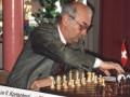Виктор Львович Корчной за игрой в шахматы, 1993 год