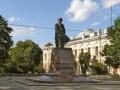 Памятник Ломоносову  на Менделеевской линии Васильевского острова