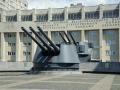 Орудия крейсера «Киров» на площади Балтфлота