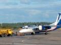 Самолёт Ан-24 на взлётно-посадочной полосе