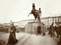 Аничков мост. Фото начала XX века