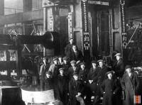 Ижоский завод, сталелитейный цех. Бригада, выпустившая первый советский блюминг. 1931 год